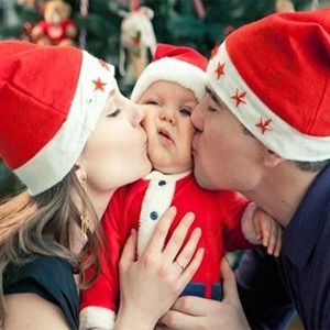 11 Tips for Baby's First Christmas