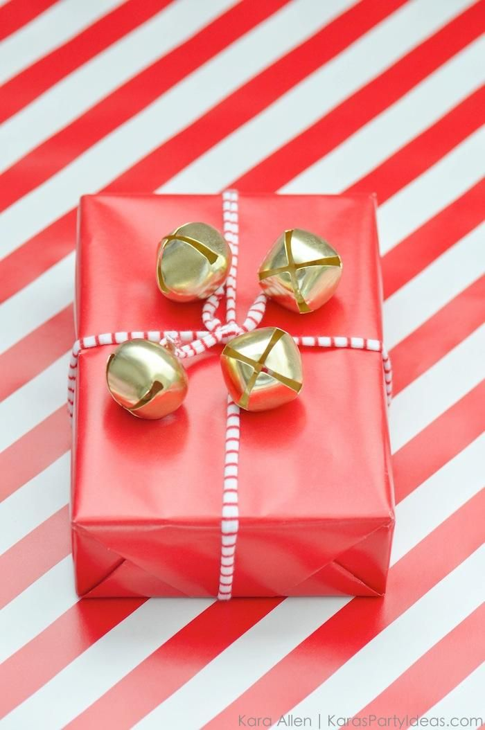Creative Holiday Jingle Bell Gift Wrapping idea for Christmas ...