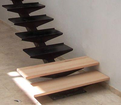 Escalera recta bonampak suvire dise o calidad y for Construccion de escaleras de hierro
