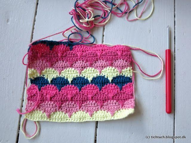 Clamshell stitch...see tutorial on sandra-cherryheart.blogspot.co.uk ...