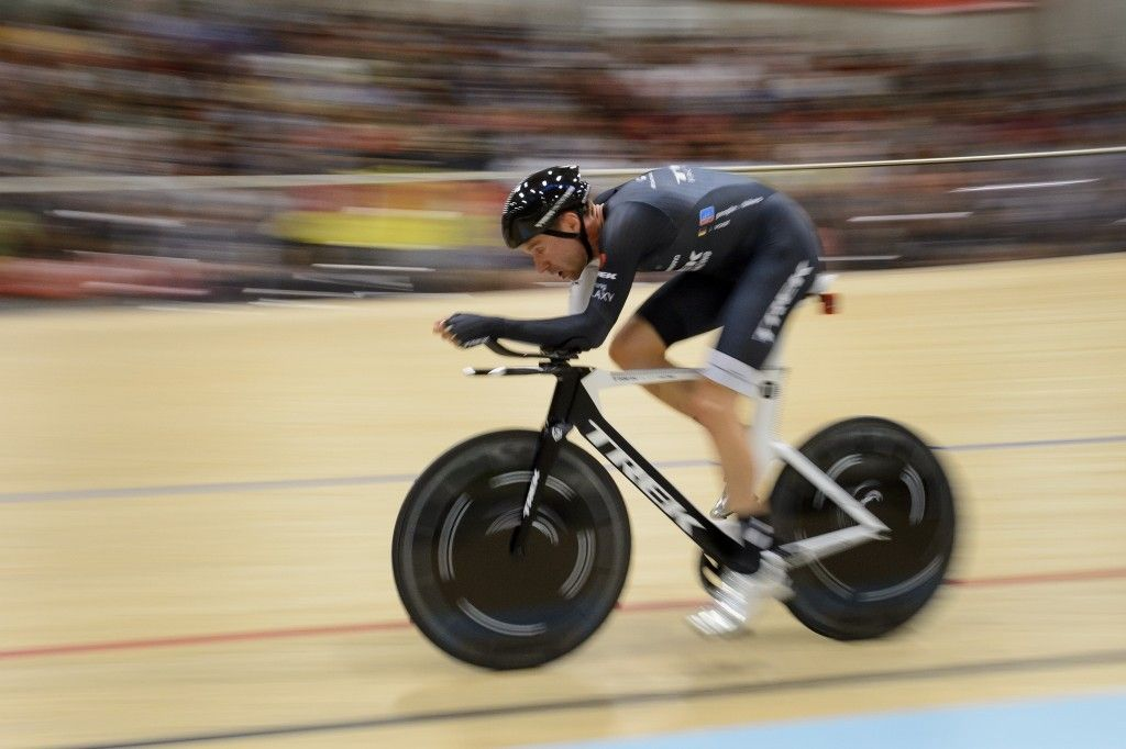 Gallery: Jens Voigt's hour record ride - Jens Voigt consistently rode sub 18-second laps, which was what he needed to set a new record. Photo: FABRICE COFFRINI   AFP