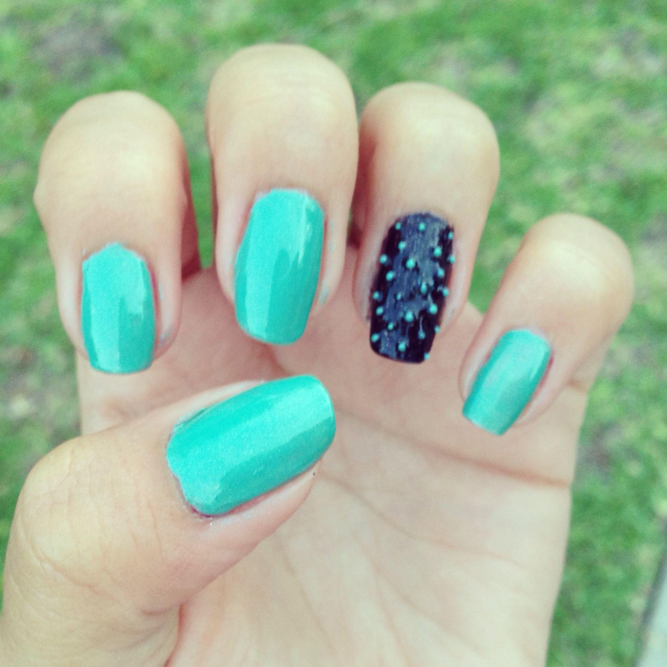 @_francescagomez simple nails
