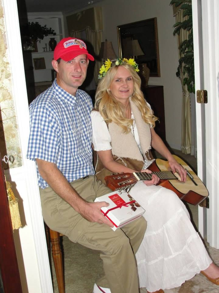 17ca4b8e2c9 Forrest Gump and Jenny | Halloween Costumes | Halloween party ...