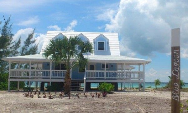 New Listing Blue Lagoon Sea Of Abaco Waterfront Home Treasure Cay Abaco Bahamas Waterfront Homes Renting A House Cottage