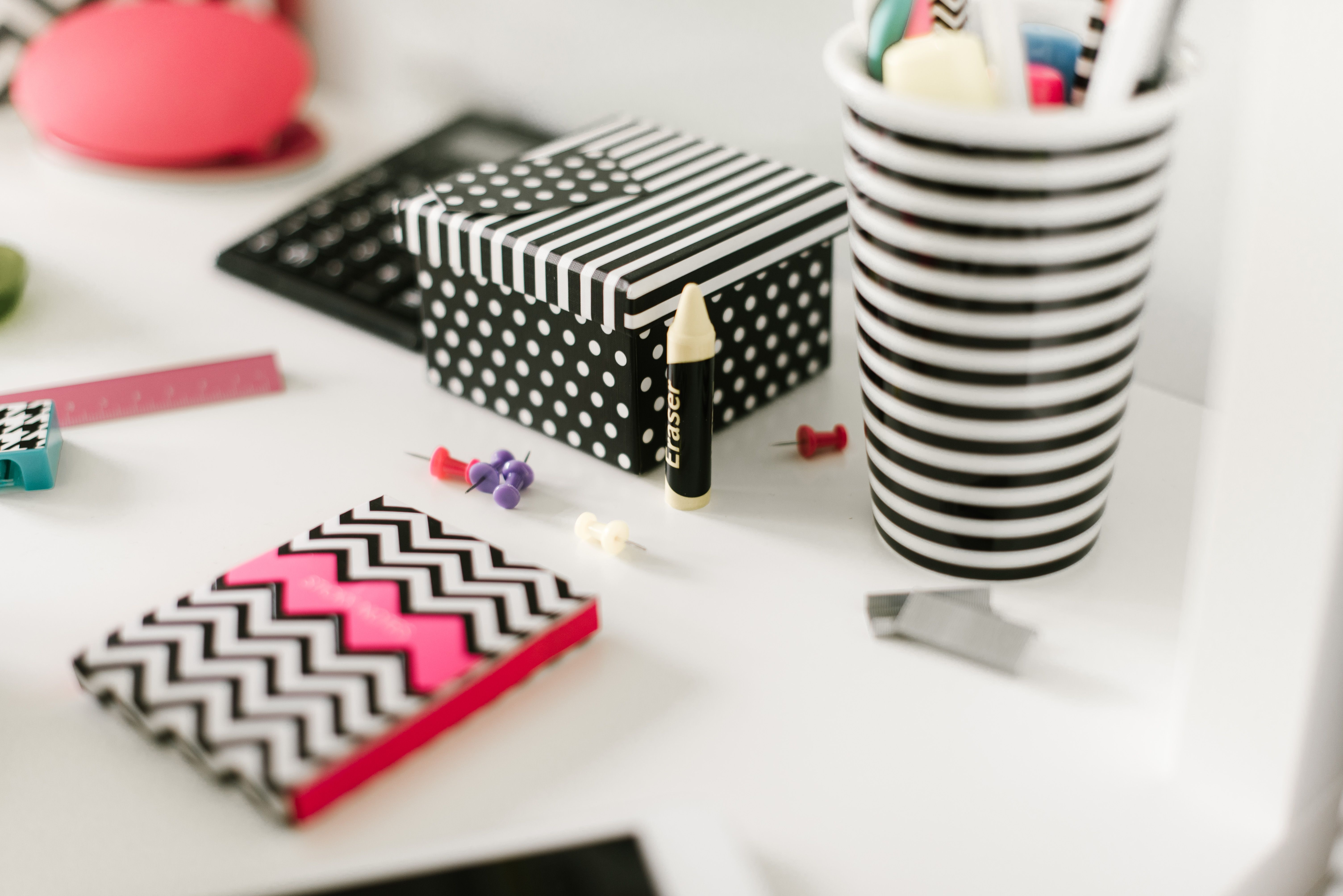 Keep organised with the cool book of sticky notes from the Lexi Collection stationery range