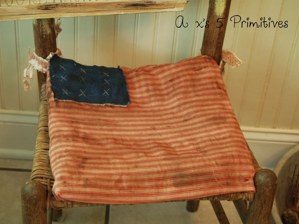 Made this a few yrs back as well..primitive American flag 4th of July