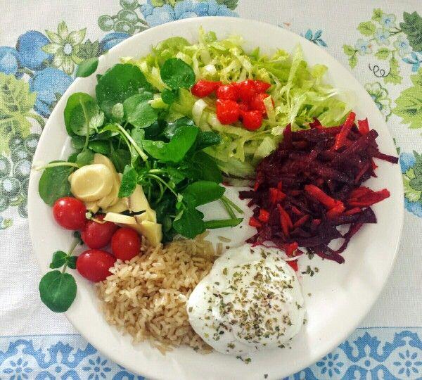Dieta de saladas e proteinas