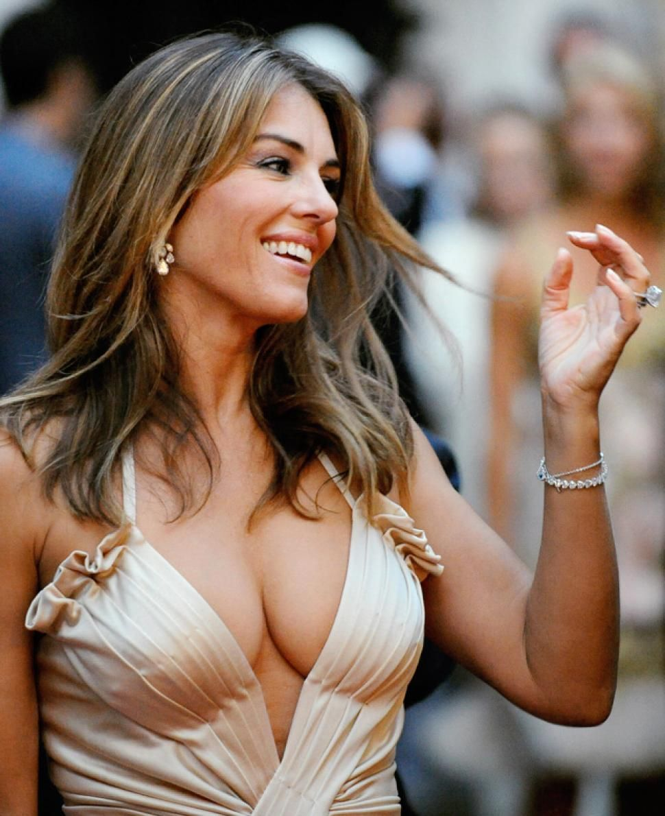 Fappening Elizabeth Hurley nudes (17 foto and video), Topless, Cleavage, Boobs, in bikini 2017