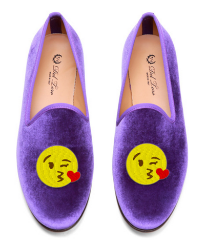 Emoji-Themed Loafers and Clutches, an Edie Parker and Del Toro Collab #bigkiss http://blogs.fashionclub.com/my_weblog/2014/03/edie-parker-and-del-toro-collaboration-emoji-themed-clutches-and-loafers.html