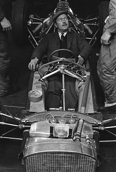 Colin Chapman in Lotus 33