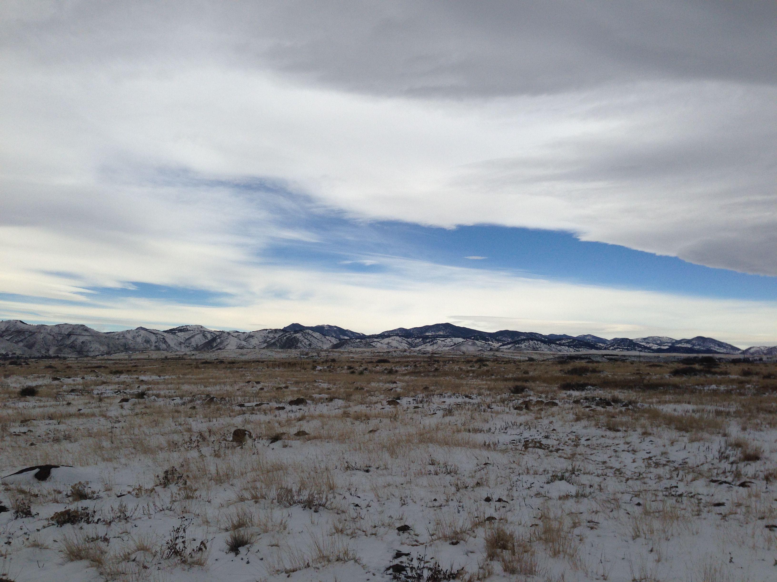 """El """"Front Range"""" nevado. Es decir, la vista desde nuestra ventana hoy."""
