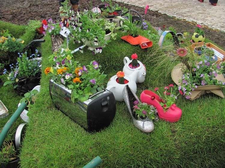 48 pots de fleurs en objets de récup pour en décorer le jardin ...