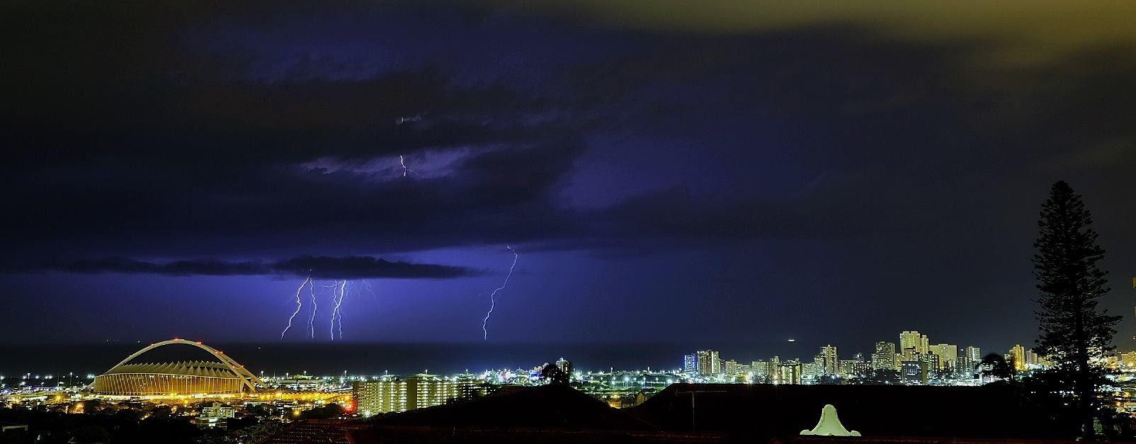 Thunderstorm over Durban  - September 30th 2015 ...