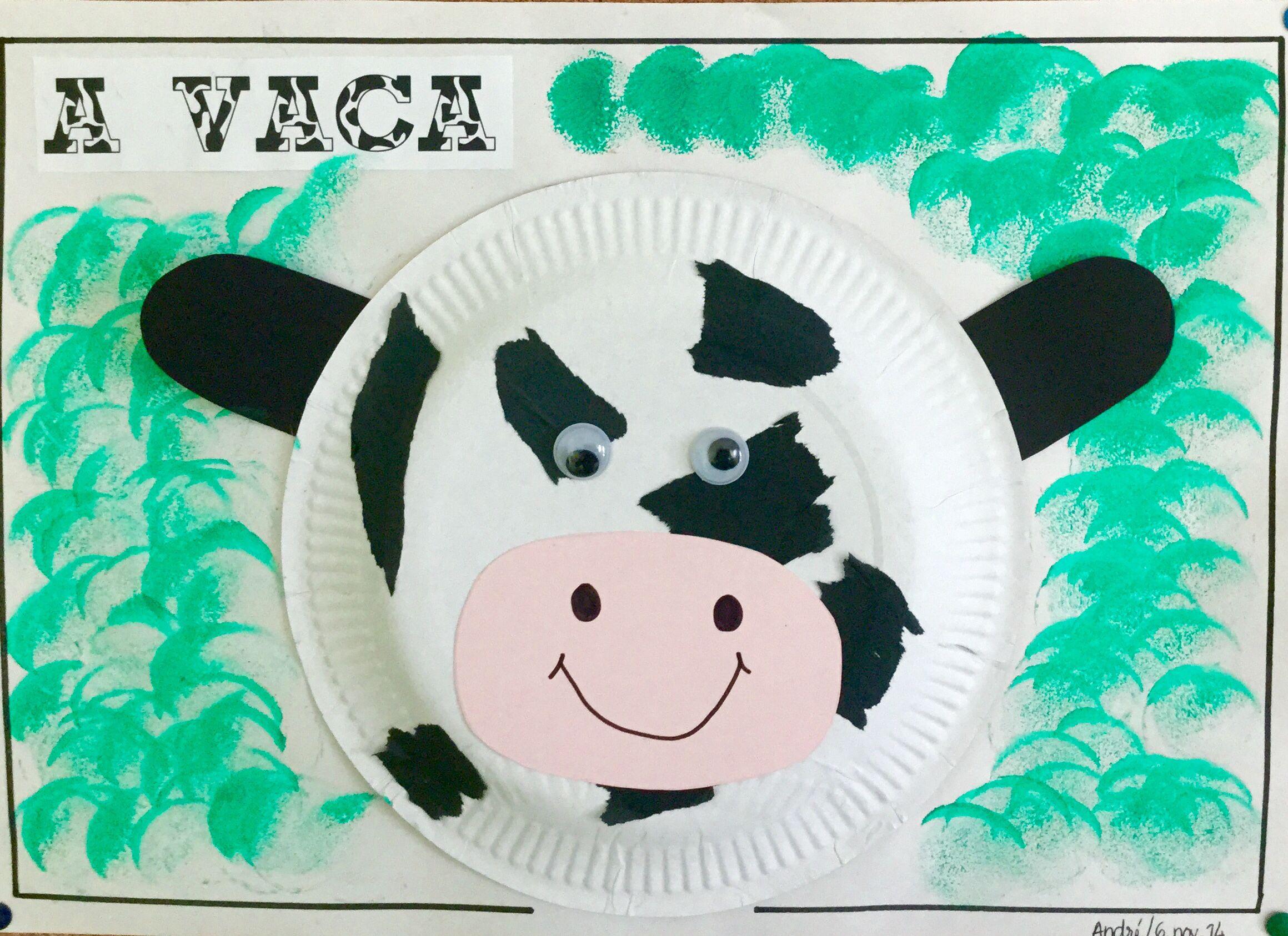 Animais da quinta. Colar pedaços de papel de seda preto. Trabalho realizado por crianças de 1 ano. #ColégioMonteFlor