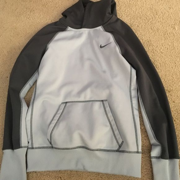 Therma-Fit Nike Sweatshirt Therma-Fit Nike Sweatshirt. Small. Worn only a few times. No signs of wear. Therma-Fit. Ladies adult small. Nike Tops Sweatshirts & Hoodies