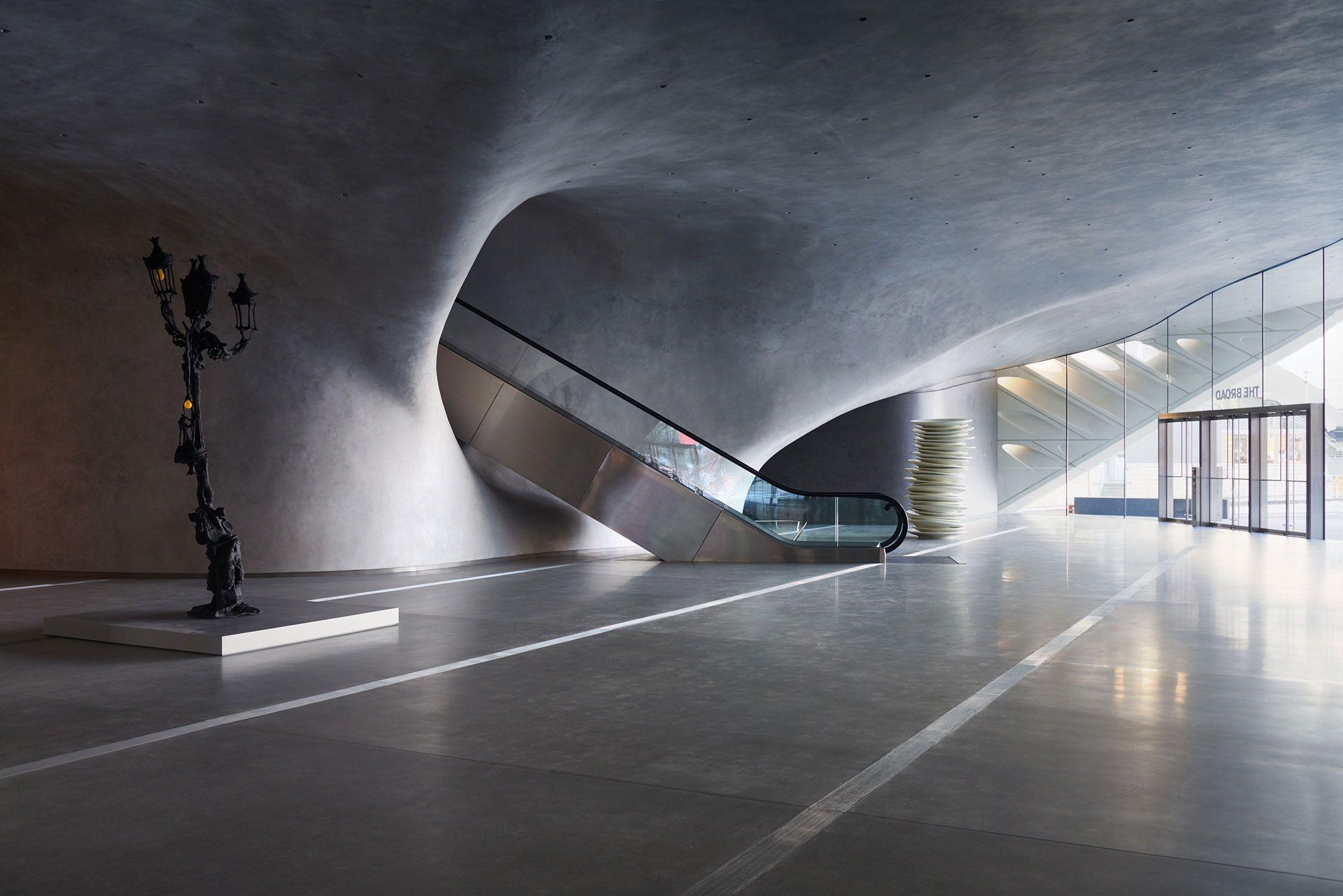 touring the broad art museum, l.a.'s newest architectural wonder, Innenarchitektur ideen