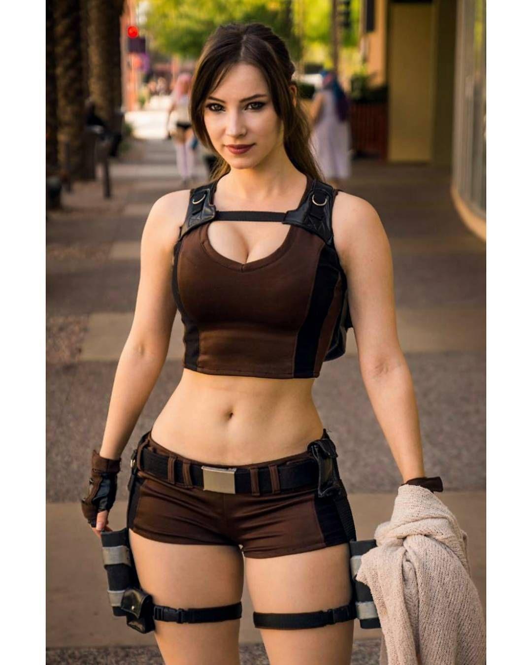 Hot Lara Croft Cosplay - Tomb Raider (Enji Night