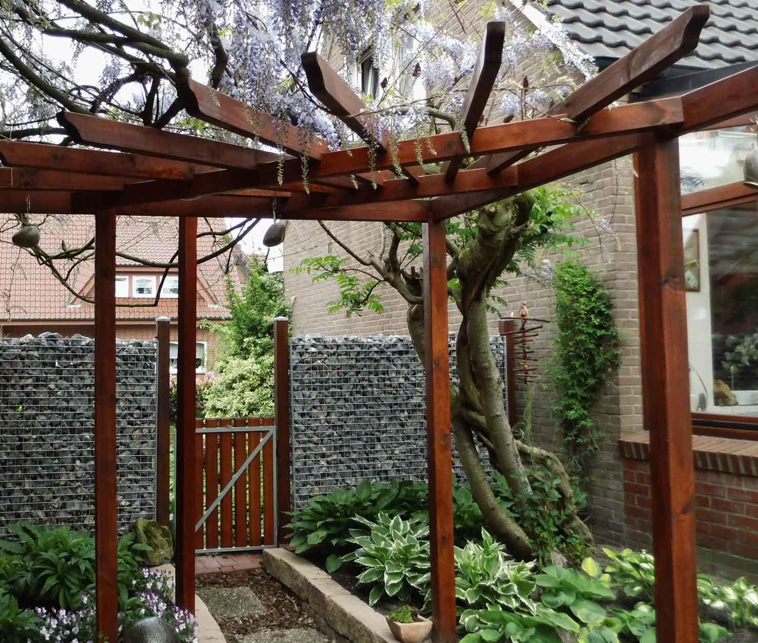 Holz Pergola Garten Moderne Beispiele: Mehrstufige Holzterrasse