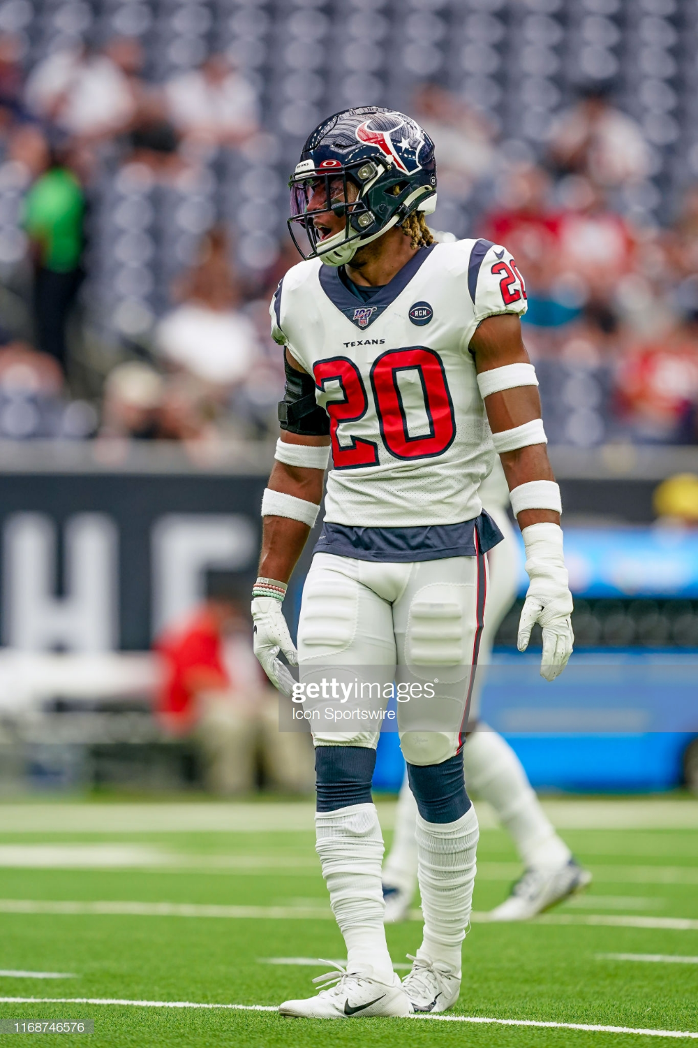 Houston Texans strong safety Justin Reid warms up before the ...