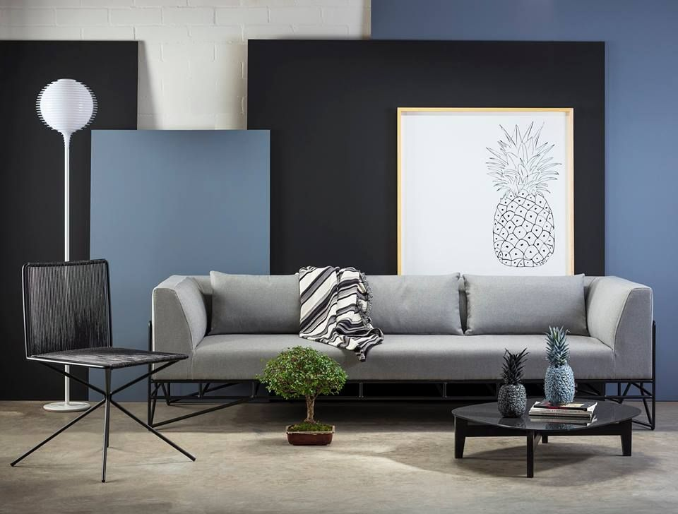 contemporary living room klotz sofa la roux coffee table zientte