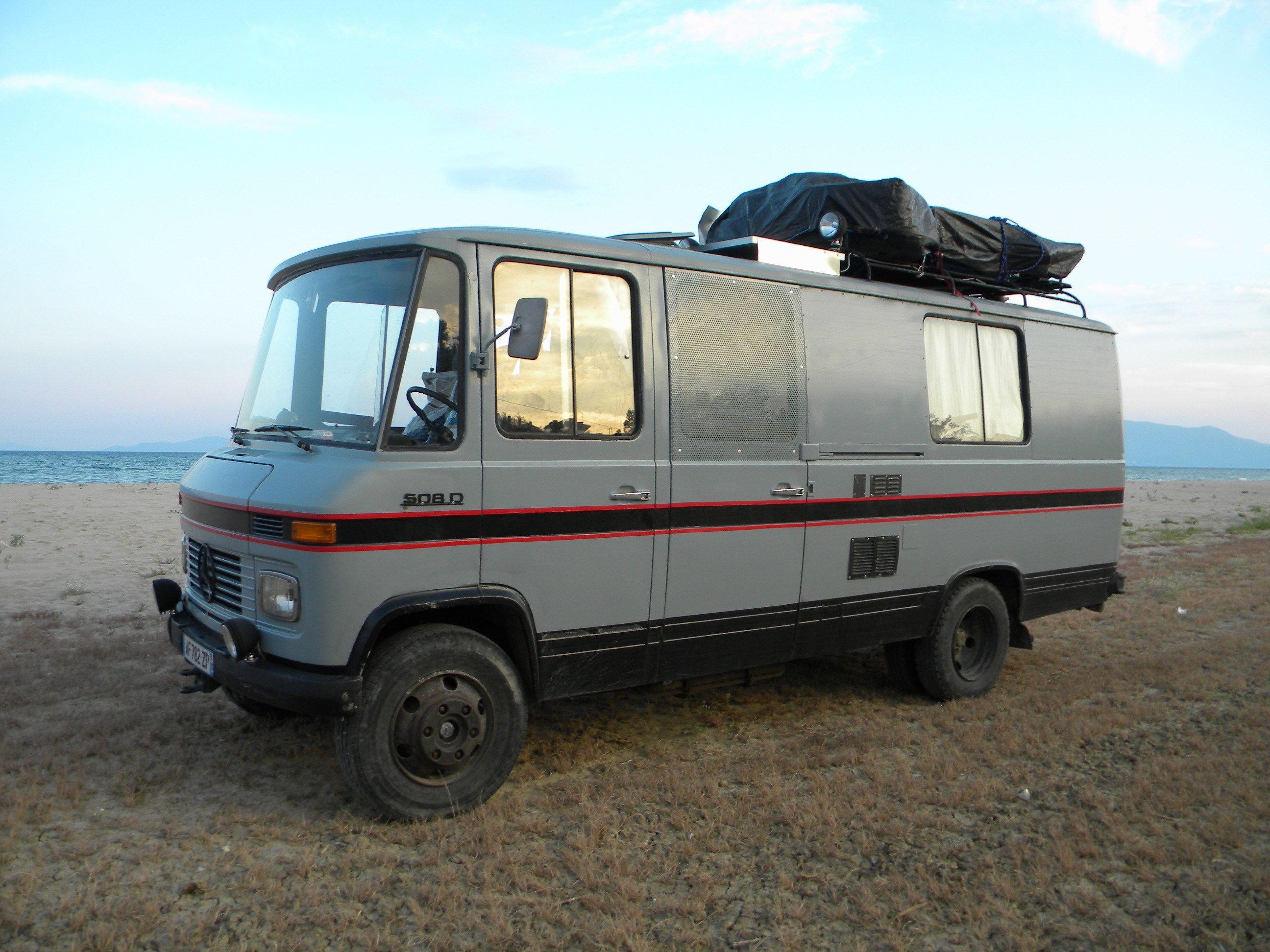 De mercedes benz l 408 en l 508 pagina bussen busses pinterest mercedes camper van mercedes camper and white van man