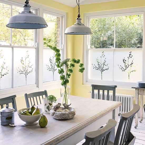 Pale Yellow Country Kitchen: 25 Ideas For Dining Room Decorating In Yelow And Green
