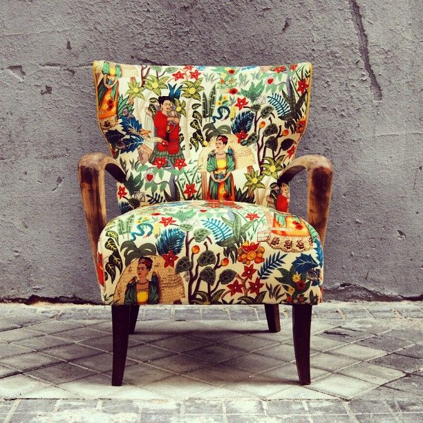 La Tapicera   Old Armchair Got A Makeover With This Awesome Frida Kahlo  Printed Fabric From La Tapicera (Madrid)   Www.latapicera.com