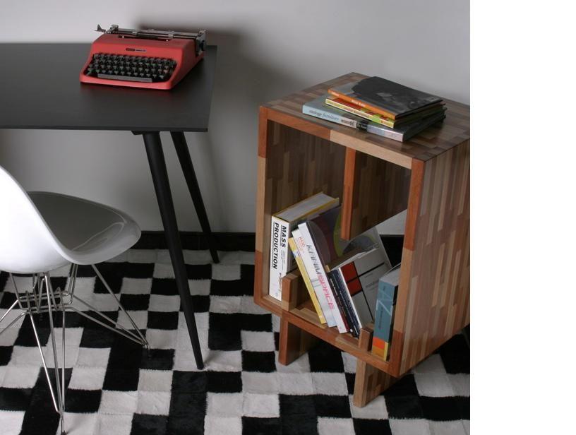 A máquina de escrever dá um toque retrô ao espaço.    www.desmobilia.com.br
