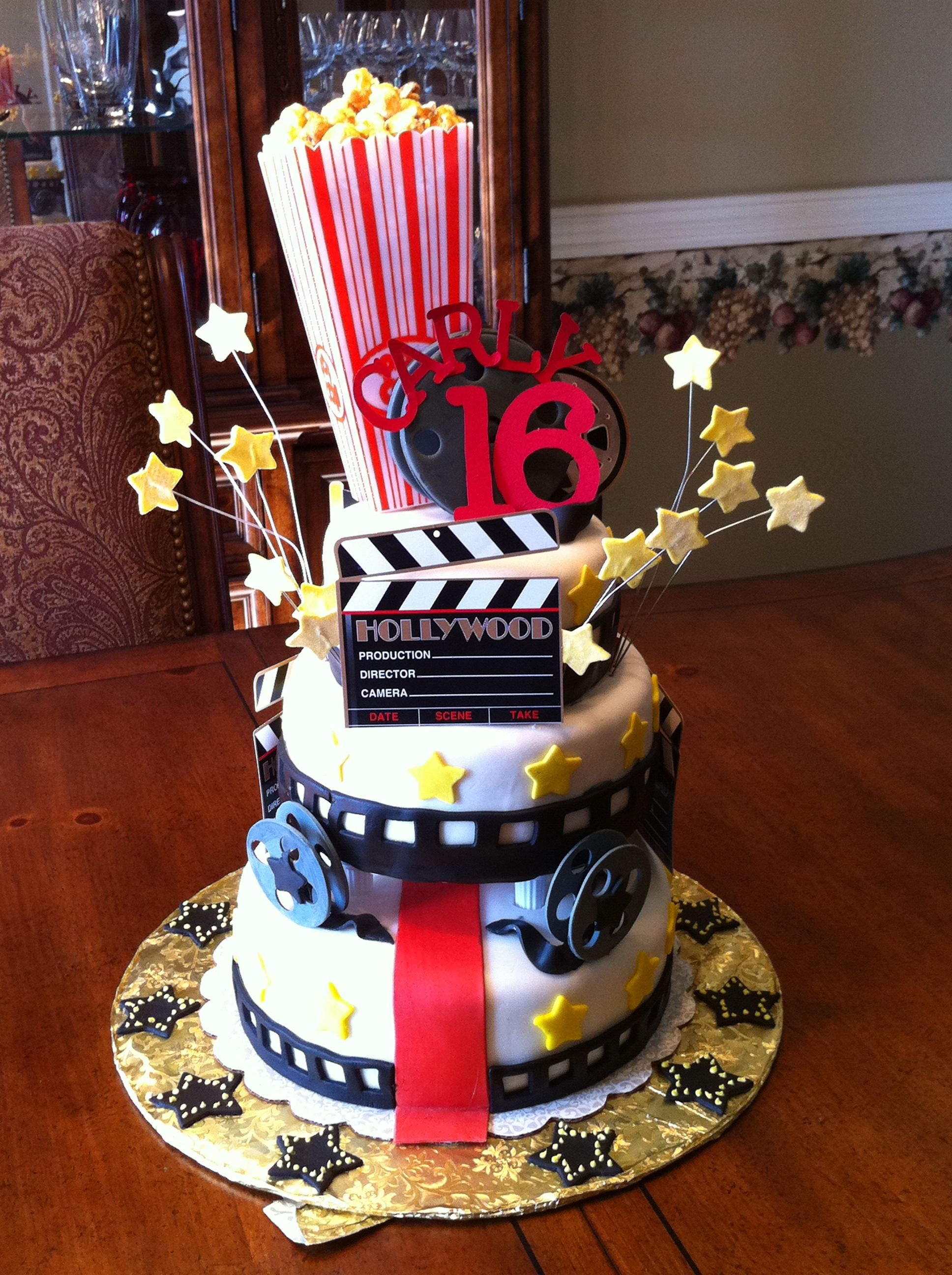 Hollywood movie cake hollywood glam murder mystery party