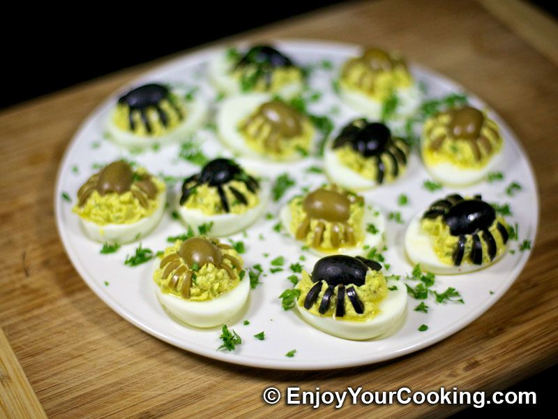 Halloween Spider Decoration for Deviled Eggs Recipe Halloween - halloween food decoration