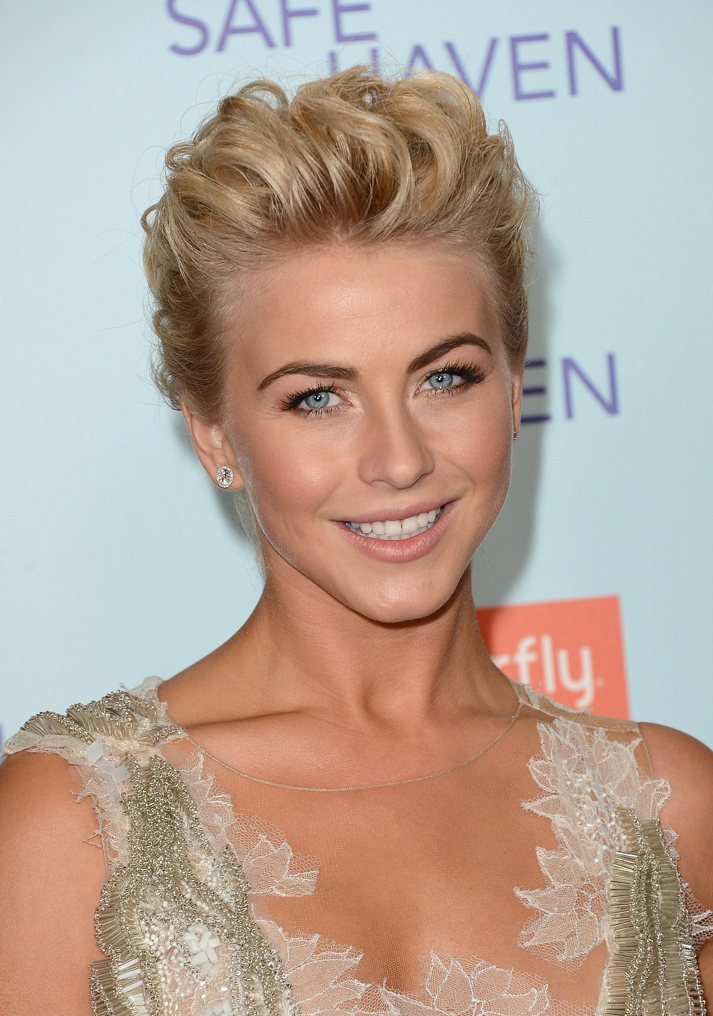 For The Big La Premiere Of Safe Haven Julianne Wore Her Crop In A Celebrate Julianne Hough S Birthday With A Look At Her Best Bob Styles Popsugar Beauty Ph