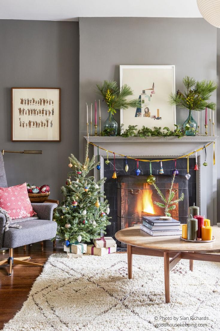 Un salon décoré pour Noël avec un mini sapin de Noël ! #salon