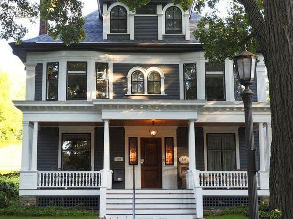 Zillow Has 1 111 Homes For Sale In Saint Paul Mn View Listing Photos Review Sales History And Use Our Det Fachadas De Casas Modernas Casas Victorianas Casas