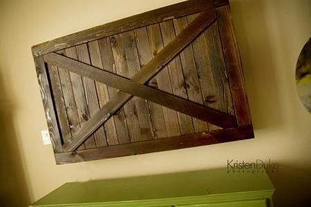 DIY Furniture : DIY Sliding Barn Door TV Cover from Kristen Duke