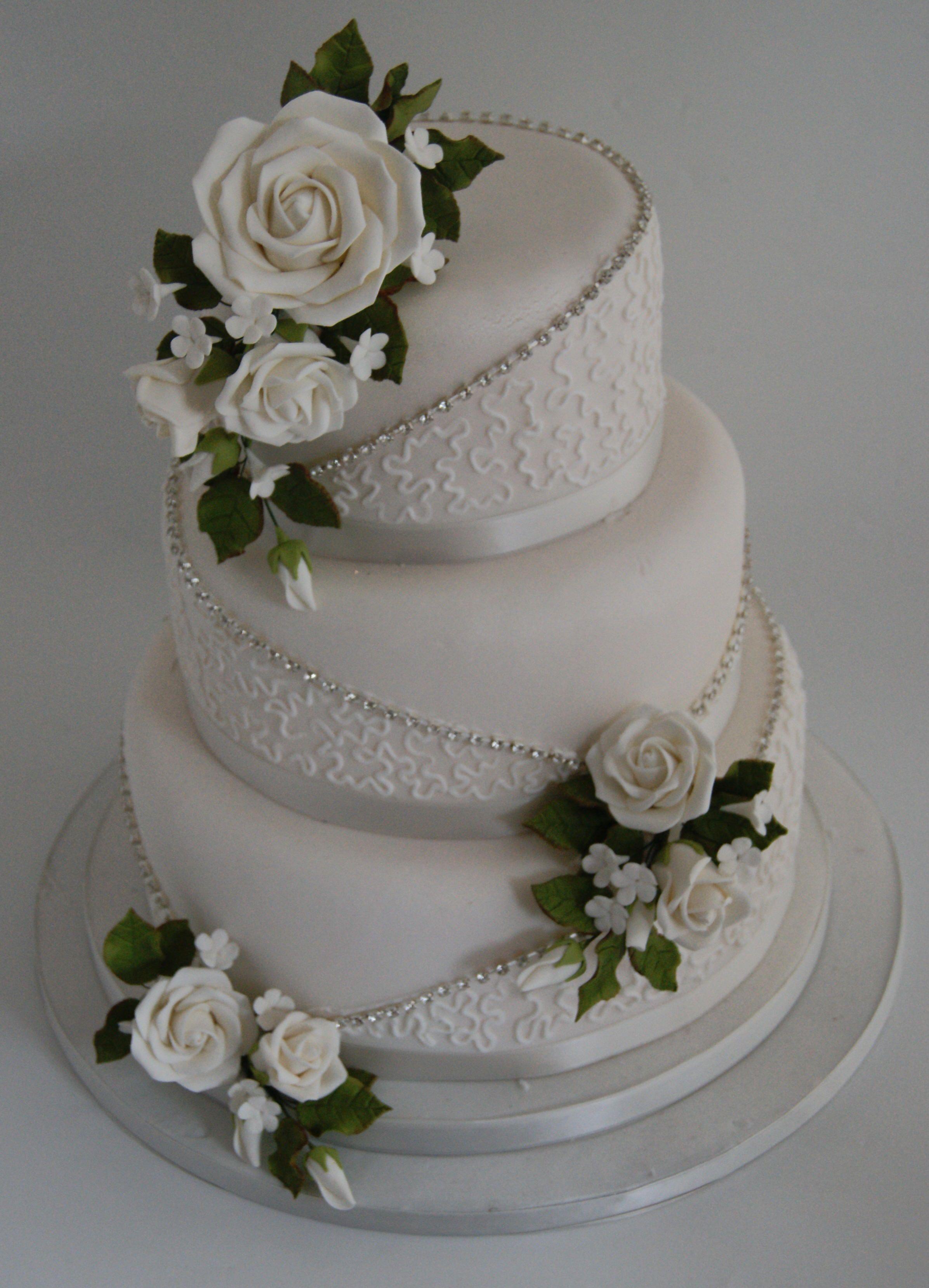 Found my grandmas 60th wedding anniversary cake but will