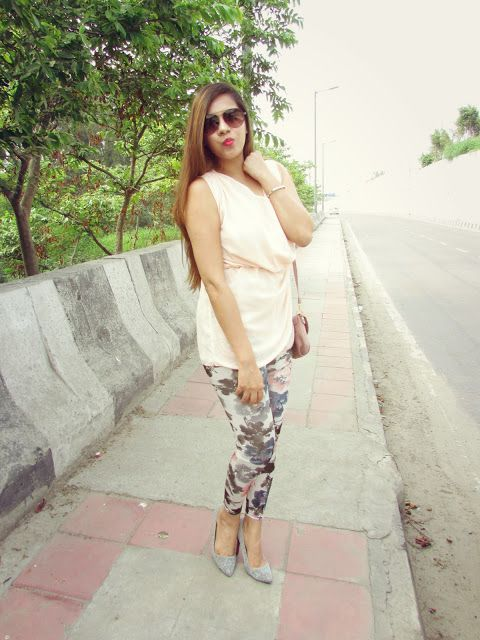 Casual Summer Outfit:Floral Leggings