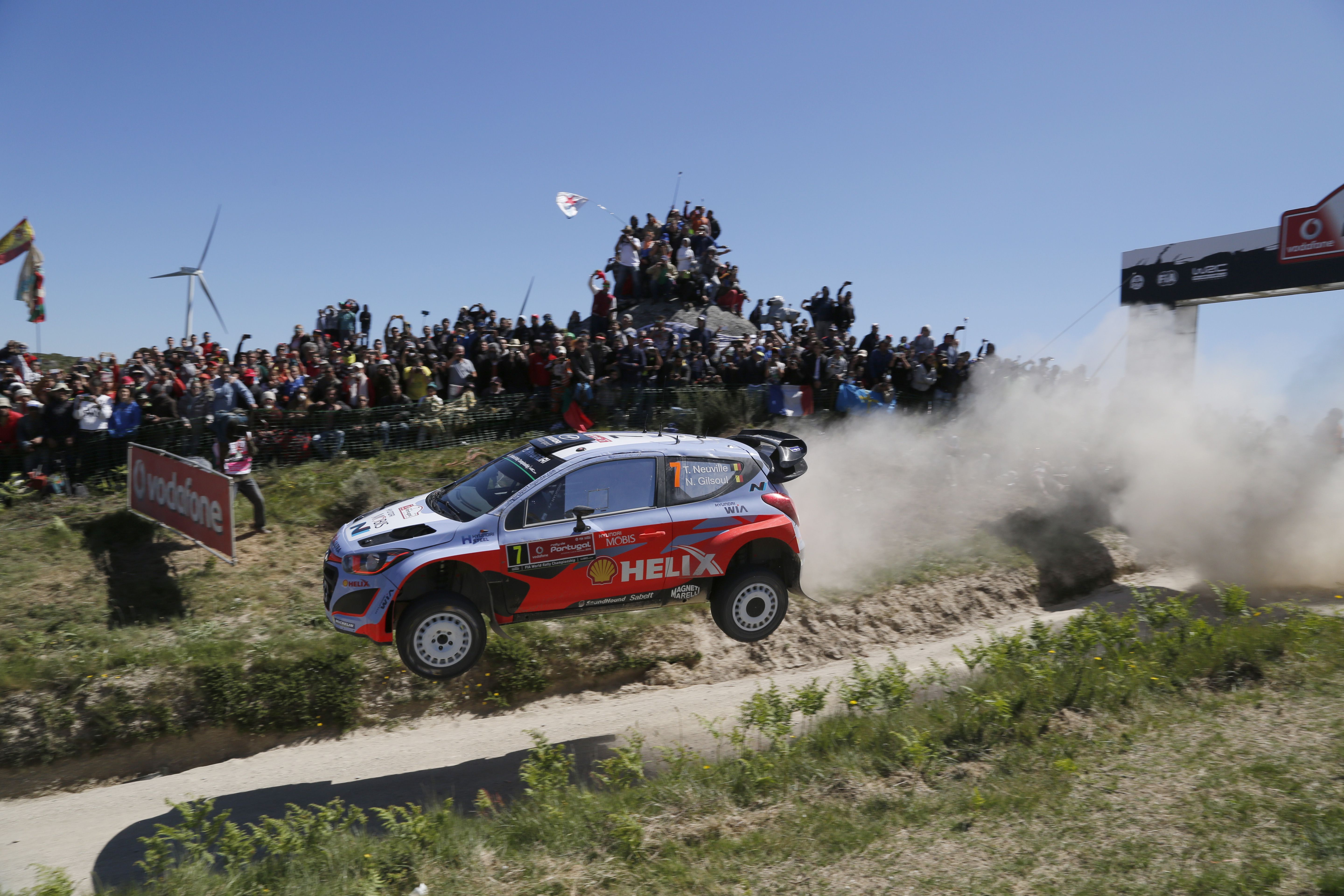 2015 WRC 포르투갈 랠리!물살을 가르고 거친 바위를 헤치며 거침없이 달린다!Portugal Rally Hyundai i20 WRC Action Race roughly across the rock and water current!