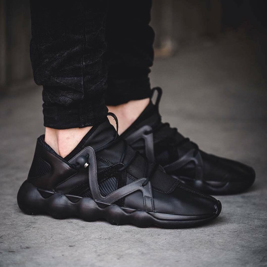 sports shoes ccc20 0ad4c adidasy3This season the Y-3 Kyujo Low comes with an all black outsole and  its
