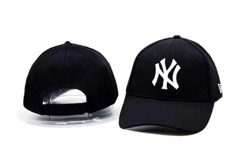 0772951ccd7 Men s   Women s Unisex New York Yankees x New Era Team Classic Logo MLB  Baseball…