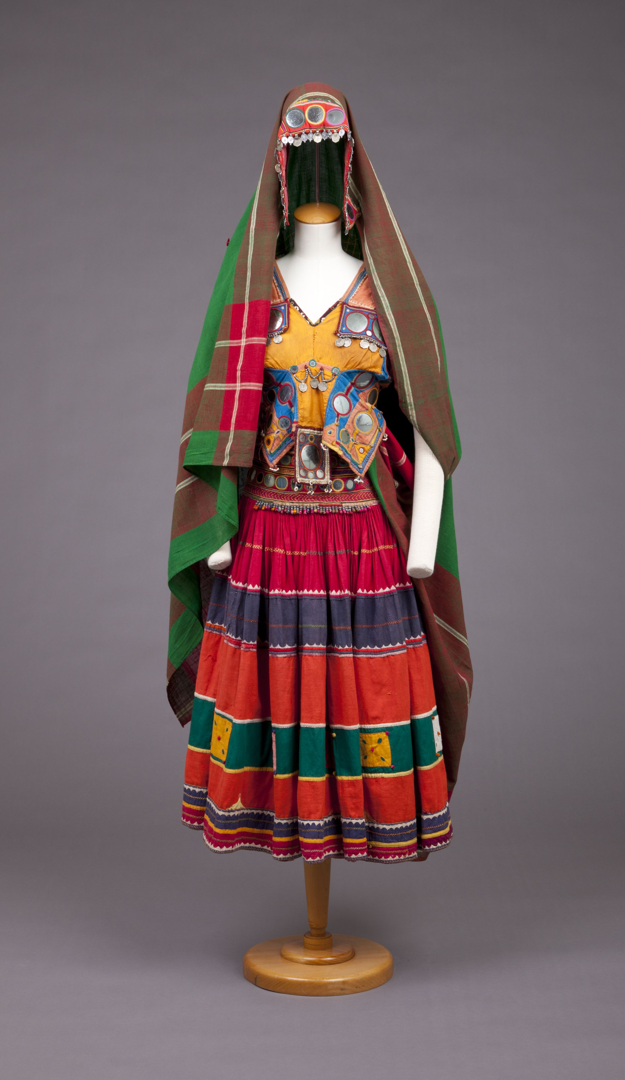 1f2fd824a601e1 Old Banjara dress, 1960-77, India. | vintage fashion | Tribal india ...