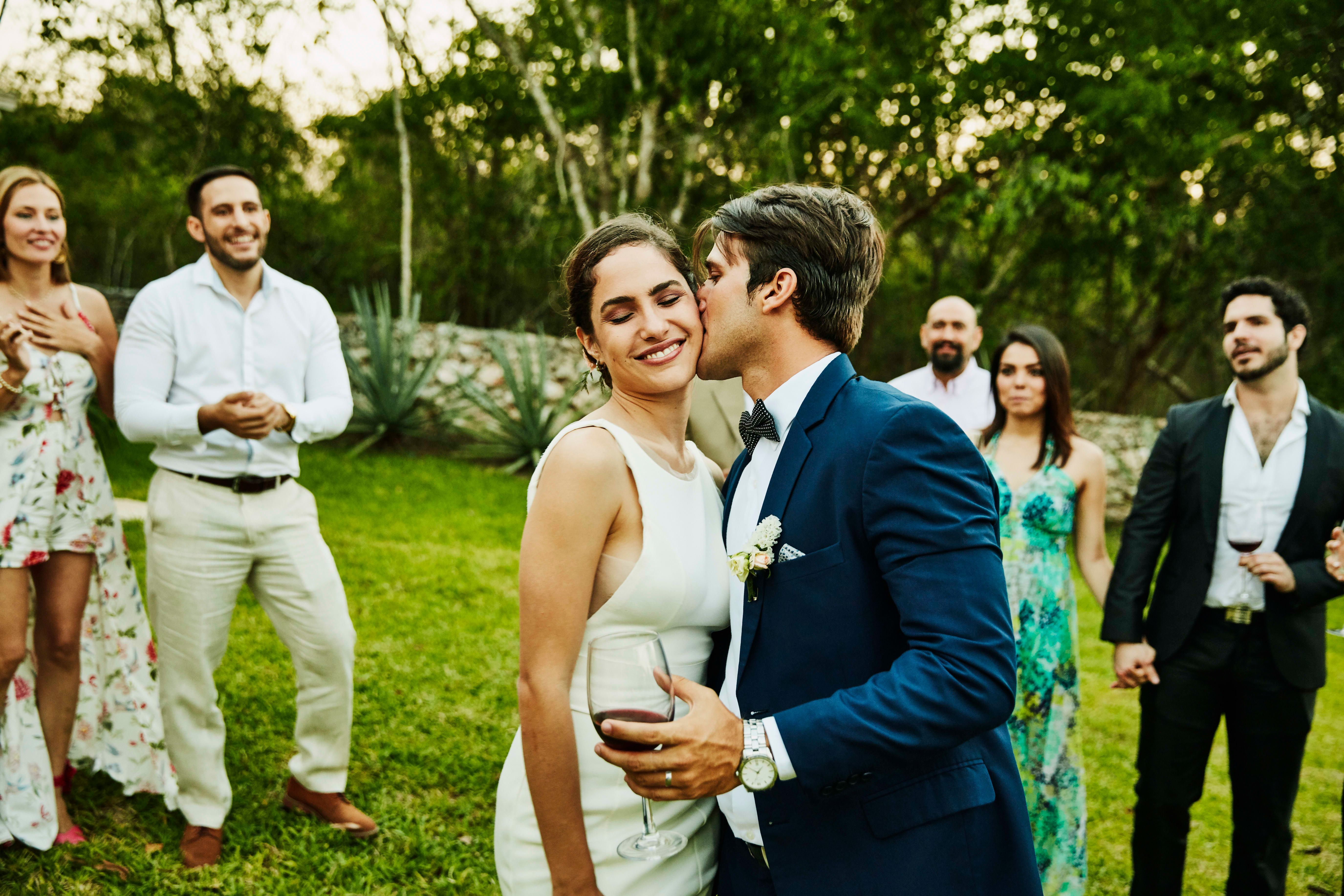Here's how much the average wedding cost in 2019 in 2020