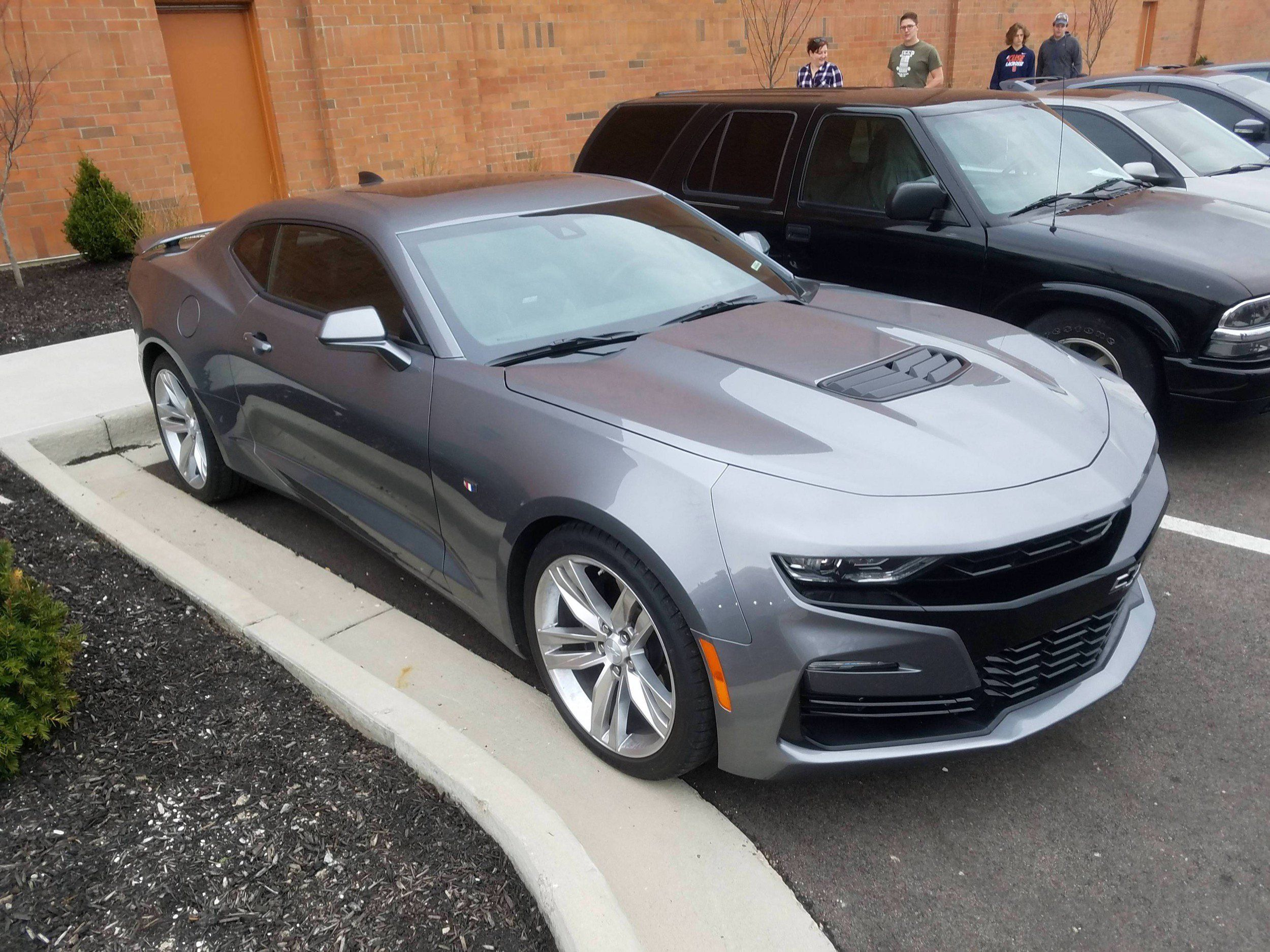 Here S Exactly What New For The 2019 Camaro Gm Authority Chevrolet Coupe Ss Live Pictures June