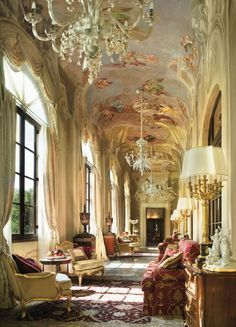 Palazzo della Gherardesca, now the Four Seasons Hotel, Florence, Italy | www.bocadolobo.com #bocadolobo #luxuryfurniture #exclusivedesign #interiodesign #designideas #highendhotel #hotel #luxuryhotel #luxurylifestyle #luxury #luxurydesign #luxuryhotel #hoteldesign