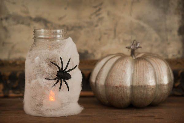 Cómo hacer una graciosa linterna para decorar una fiesta Halloween / How to make an original lantern for a Halloween decoration