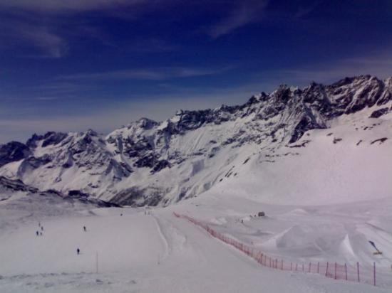 Mountain Skiing - Italy, Valle D`Aosta, Cervinia Stock