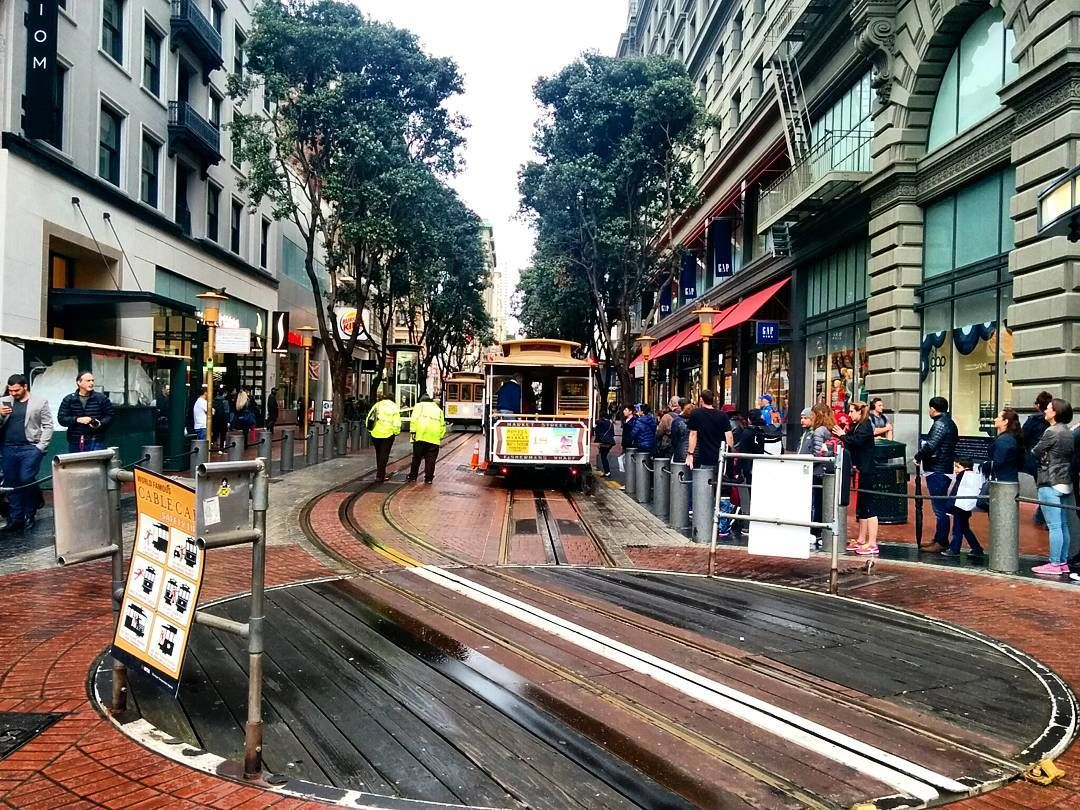 Cable car  #cablecar #sanfrancisco #rainyday  #niceride #fun by abeer.m_82