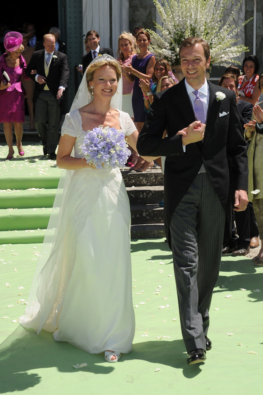 Royal wedding dress   Iconic Wedding Dresses Worn by Royal Brides  Royal weddings and