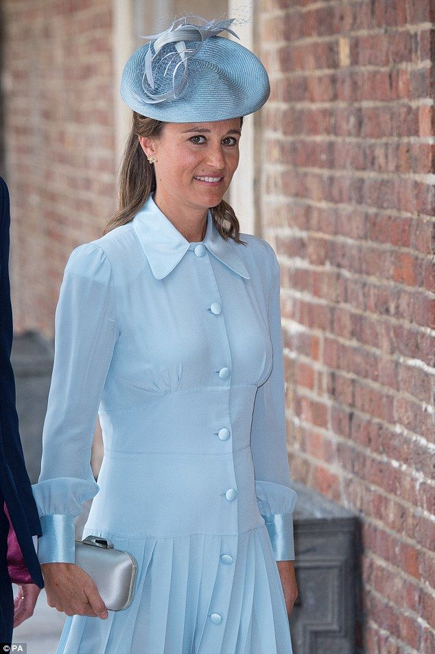 Pregnant Pippa arrives at her nephew Prince Louis\' christening