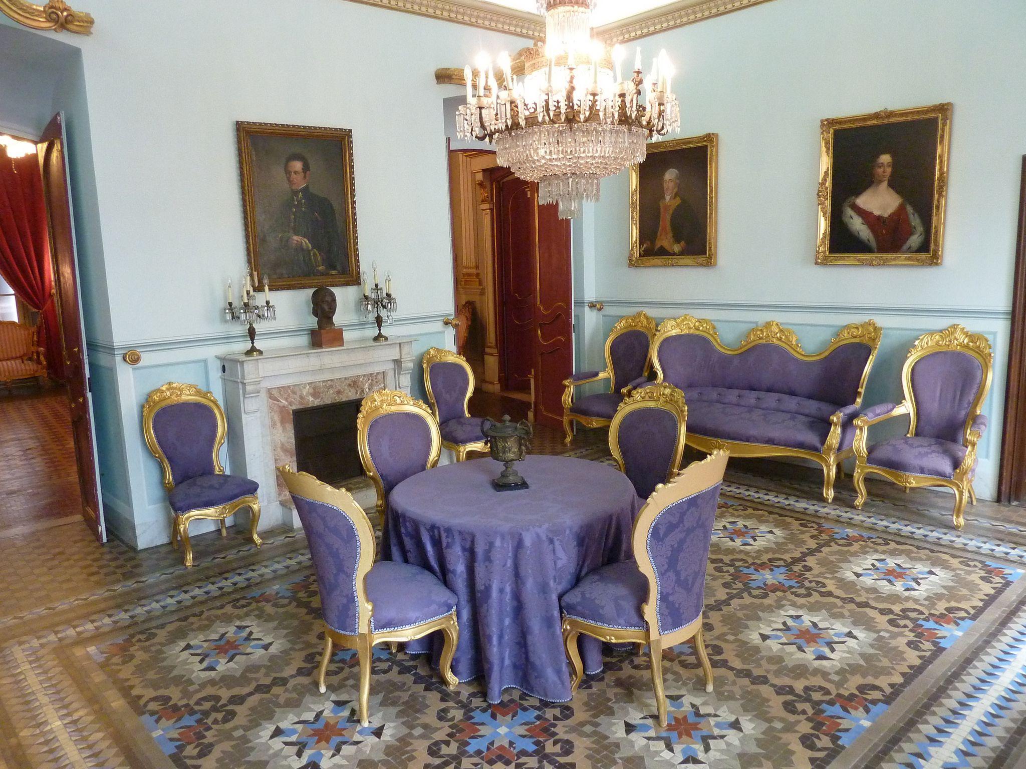 Casa Castellarnau | Diuen que s'hi allotjà l'emperador (Carles V). www.tarragona.cat/patrimoni/museu-historia/monuments/copy...