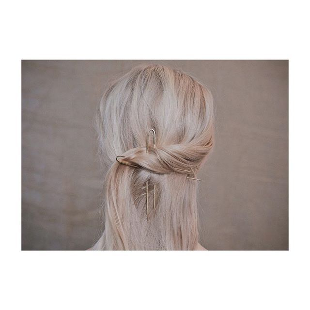 Clip it, clip it good. Rear-view outtake of a hair look by @oliviacrighton from our editorial Let's Stick Together, link in bio
